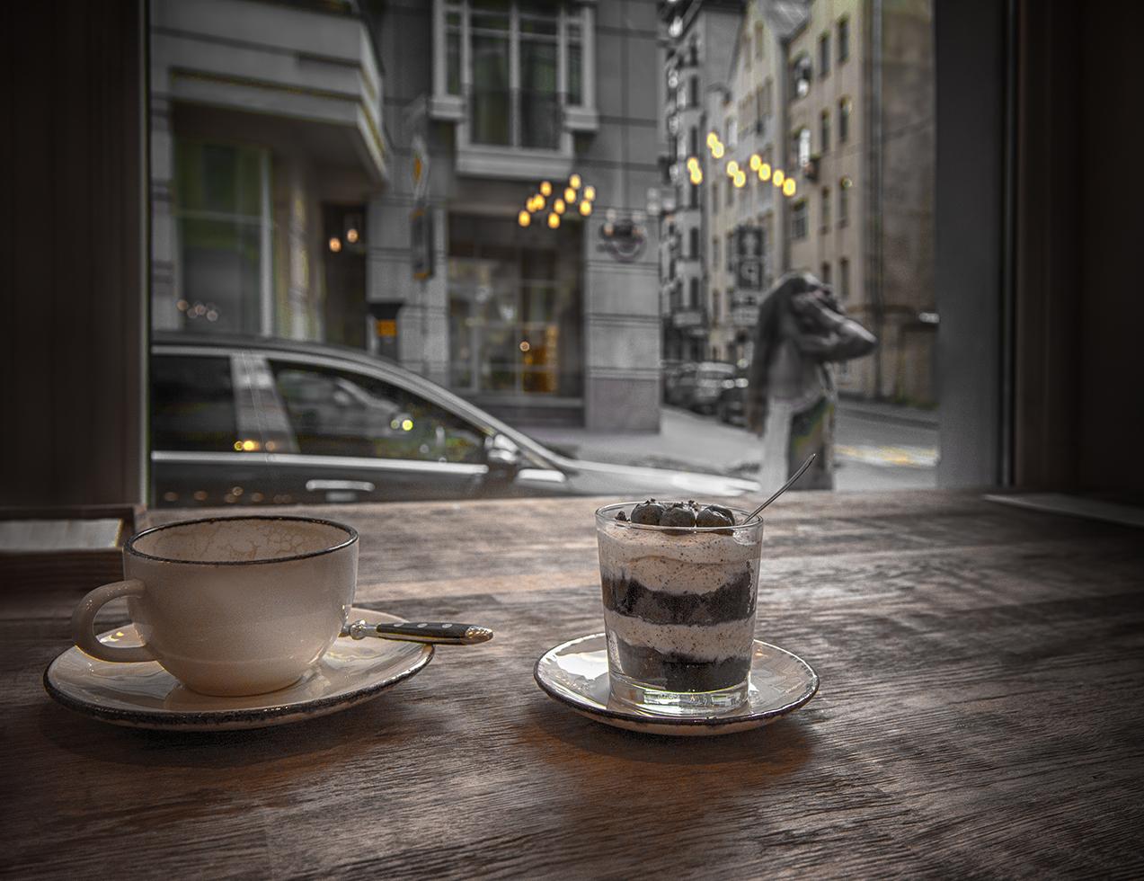 "photo ""***"" tags: still life, street,"
