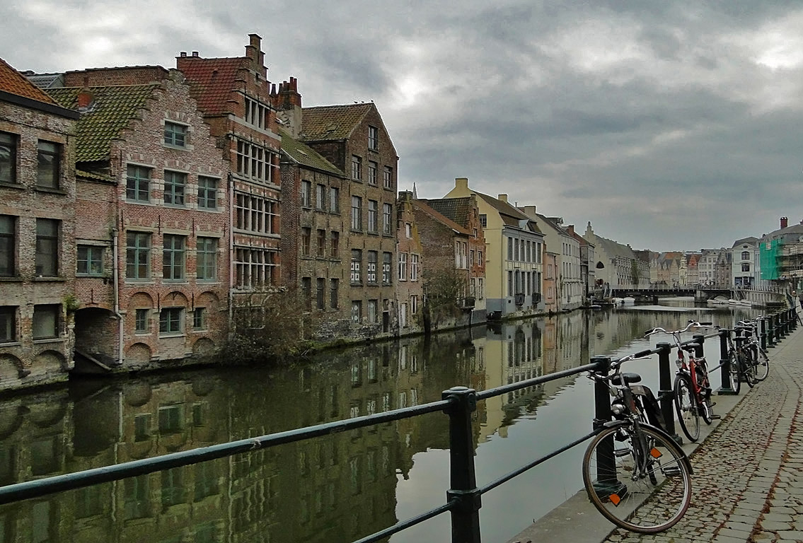 "photo ""Ghent"" tags: city,"