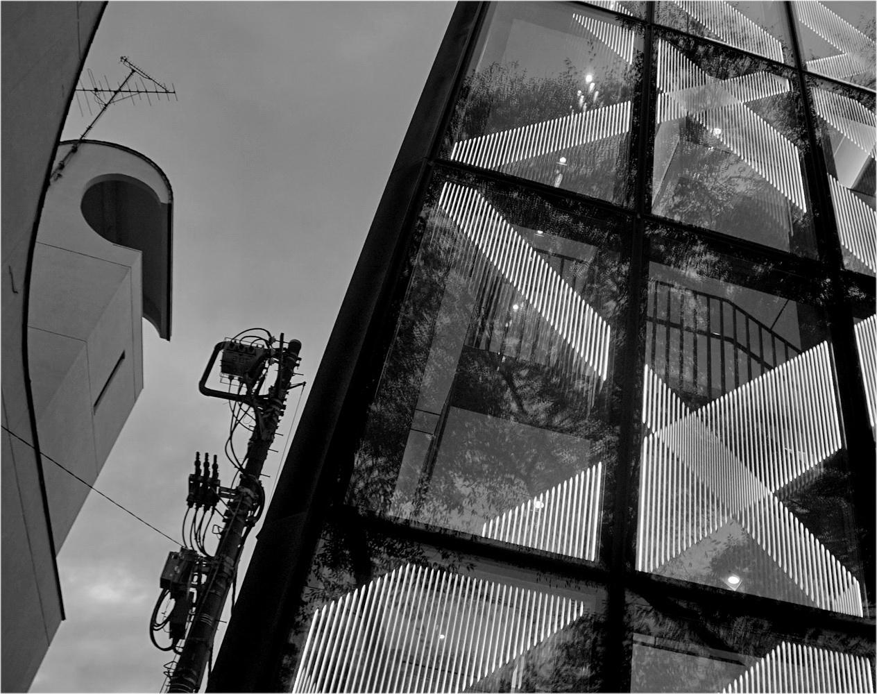 "photo ""***"" tags: architecture, black&white,"