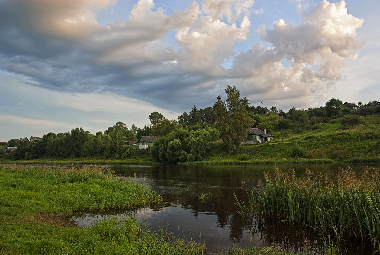 "photo ""***"" tags: landscape, clouds, river, summer"
