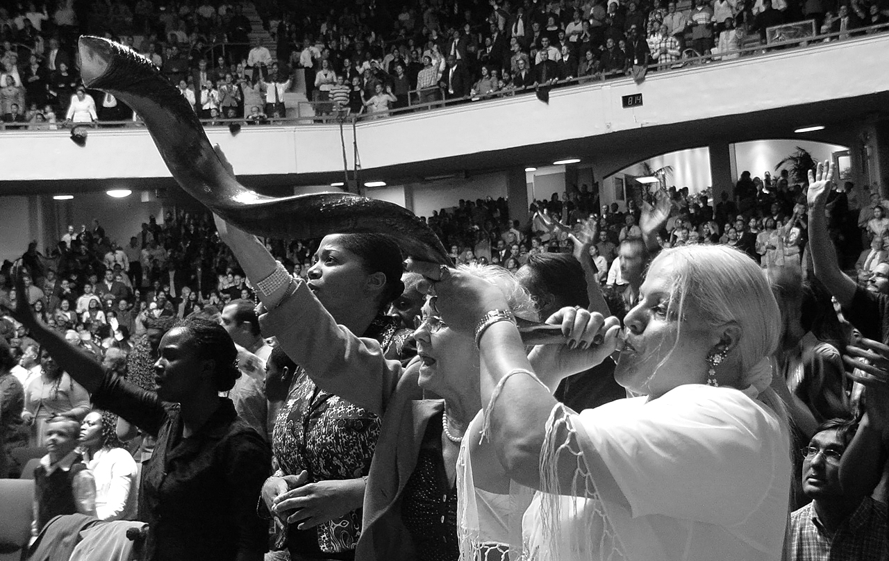 "photo ""Shofar"" tags: reporting, black&white, genre, apostolic, church service, female, rams horn, revival, shofar, woman, worship"