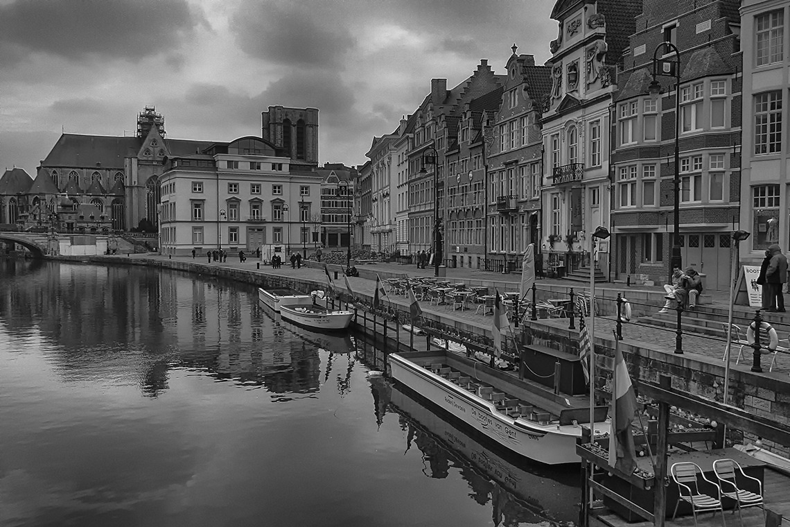 "photo ""Ghent"" tags: black&white, city,"