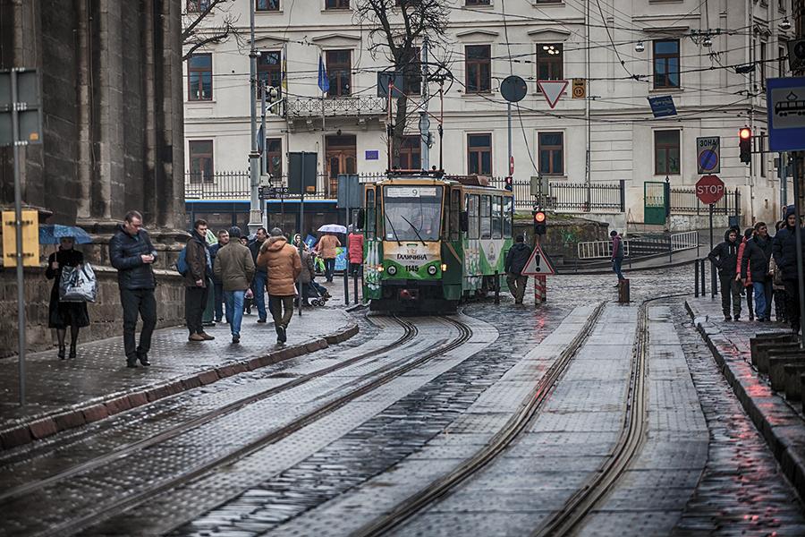 "photo ""Lvov 0039"" tags: city,"