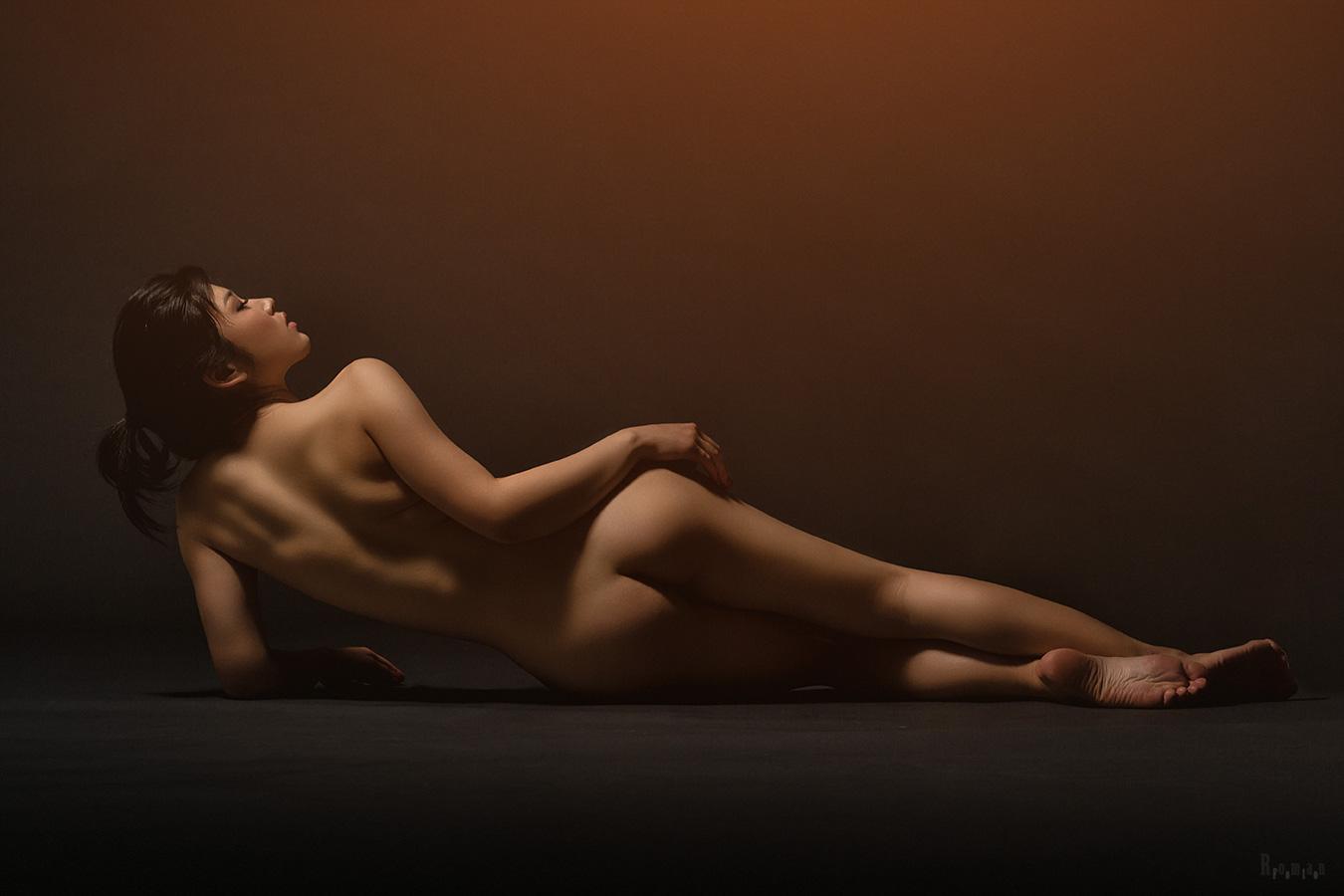 "photo ""***"" tags: nude,"