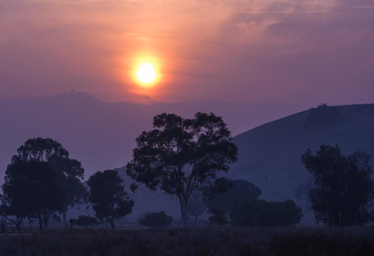 "фото ""Вечернее Солнце в Дыму от Пожара - Camp Fire"" метки: пейзаж, mountain, smoke, гора, дым, закат"
