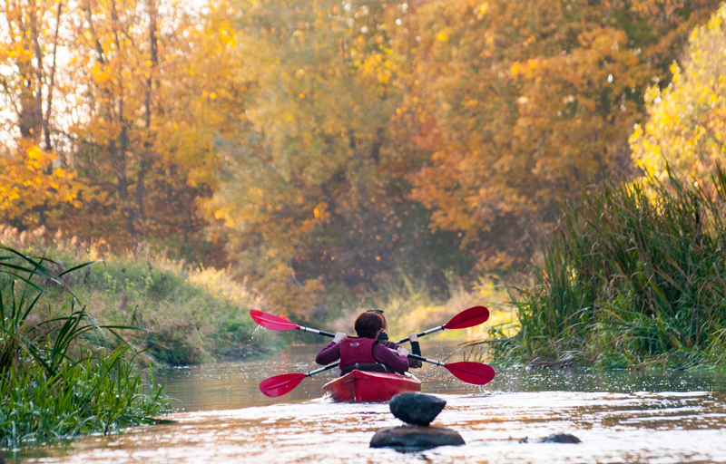 "photo ""***"" tags: travel, nature, landscape, Europe, autumn, forest, river, water, woman, Литва, двештуки, оченькрасиво, шедевр"