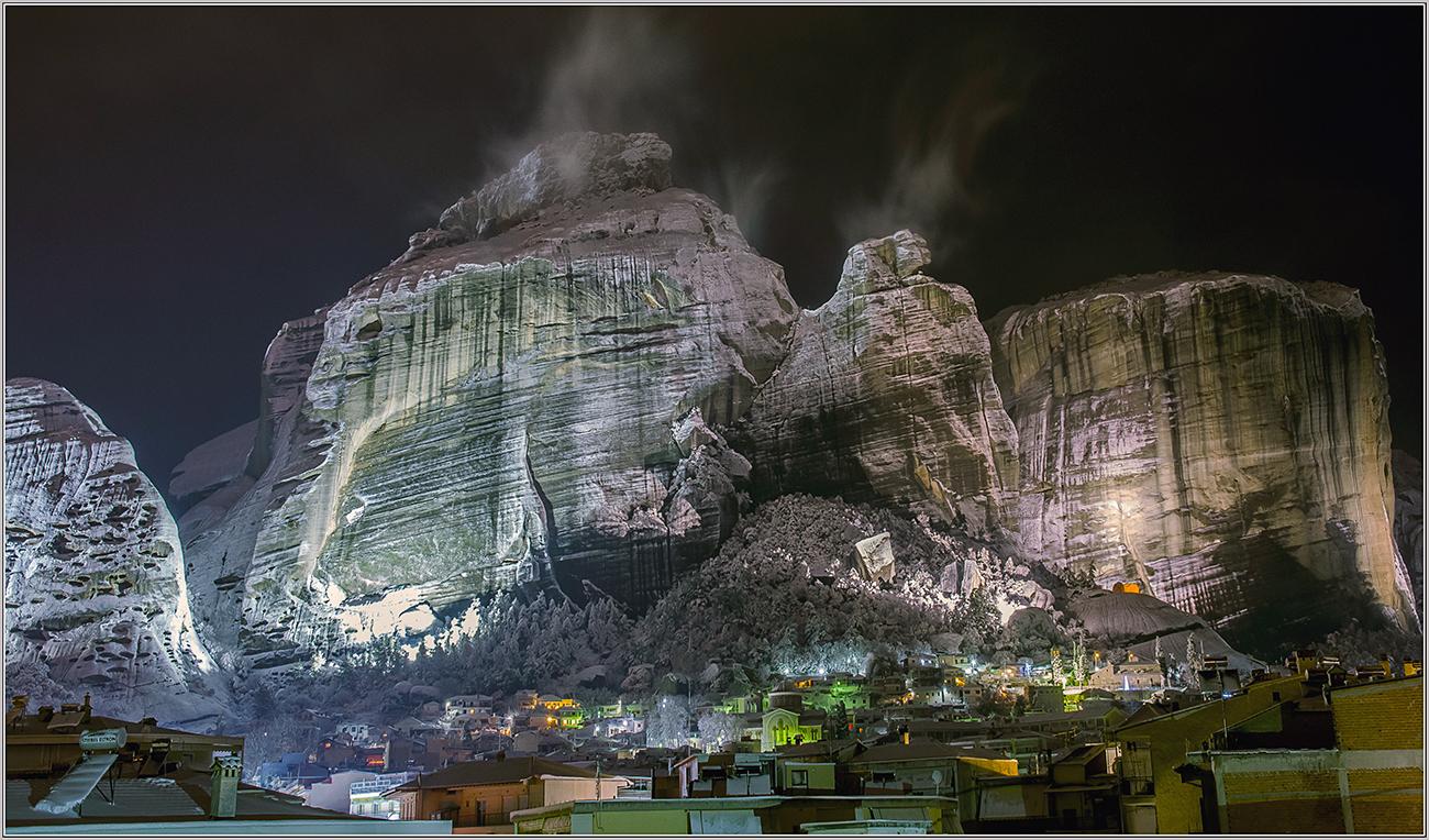 "photo ""***"" tags: travel, Greece, Метеоры, Рождество., г. Каламбака"