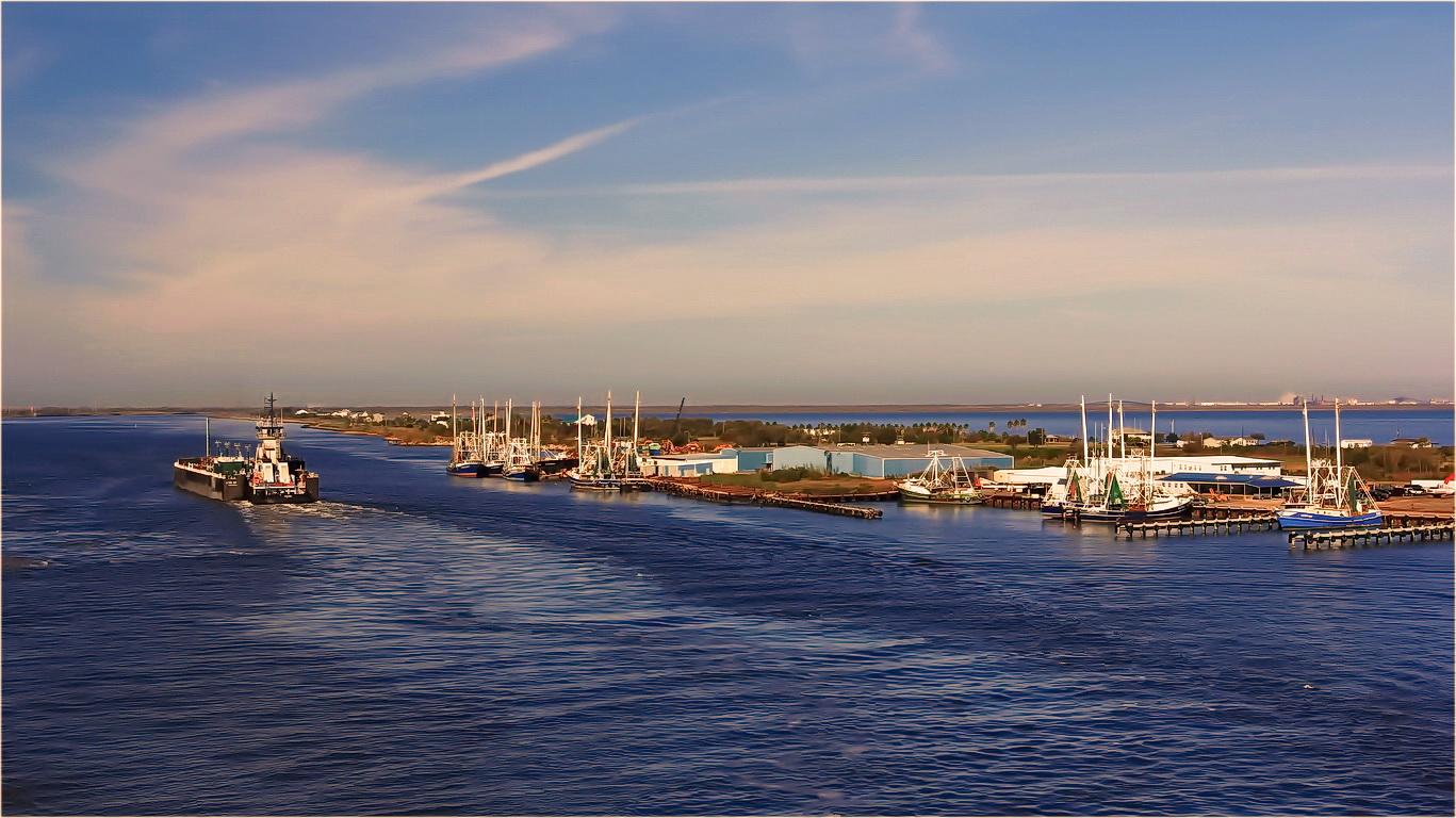 "photo ""River - sea"" tags: misc.,"