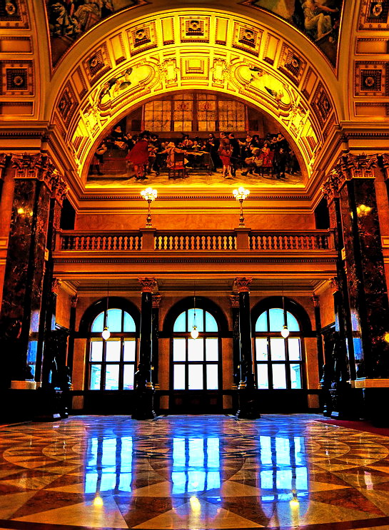 "photo ""Картина и окна"" tags: interior, Prag, Prague, Praha"