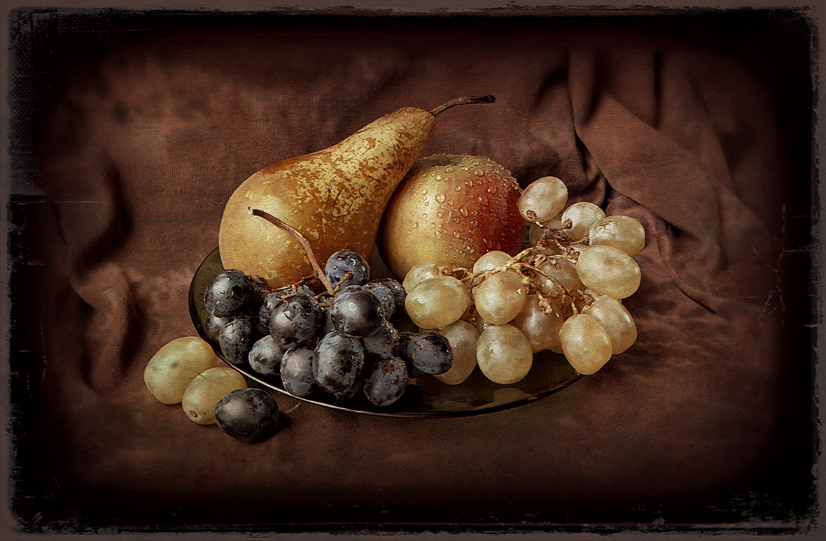 """photo """"***"""" tags: still life, macro and close-up, old-time,"""