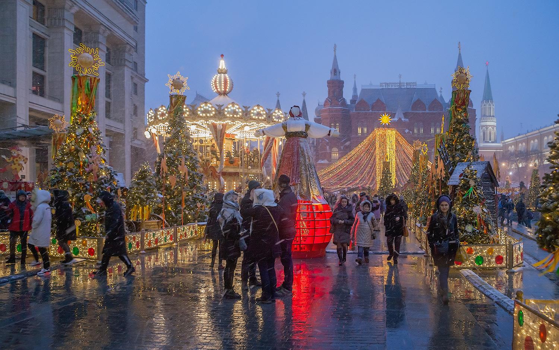 """фото """"Масленица"""" метки: город, стрит-фото, вечер праздник метель весна"""