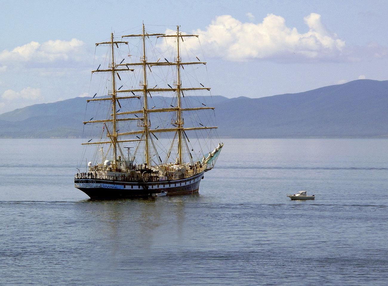 "photo ""***"" tags: landscape, sea, ship, summer"