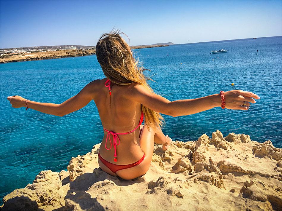 """фото """"Кипр"""" метки: путешествия, портрет, гламур, canon, Кипр, айянапа, ветер, горы, девушка, корабль, кораллы, лето, море, отпуск, свобода, тепло"""