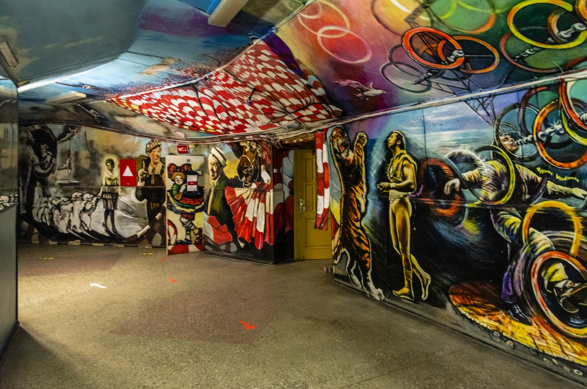 "photo ""Inside Circus"" tags: interior,"