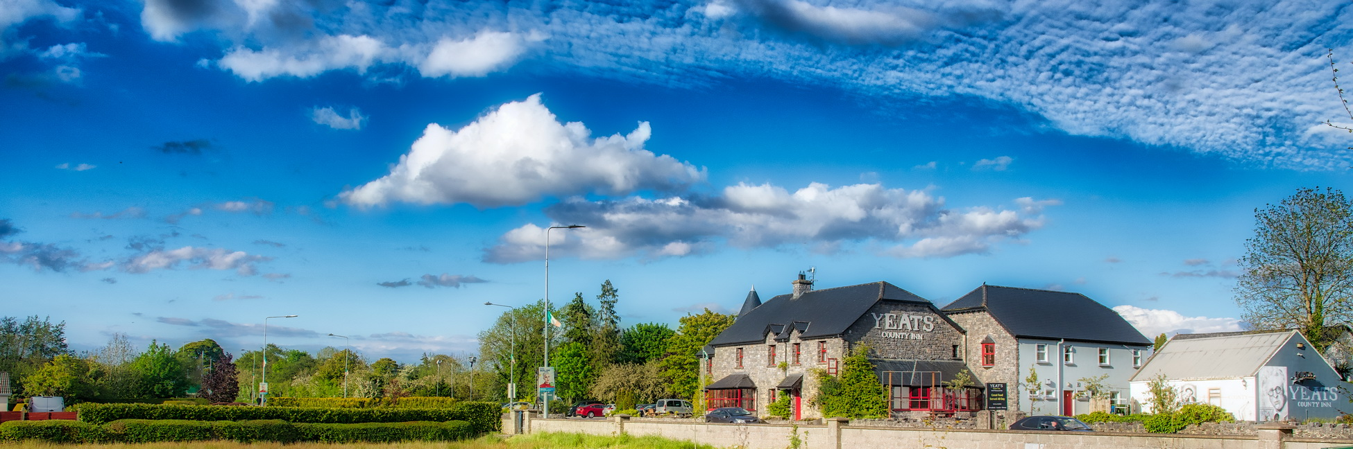 "photo ""Yeats country inn on background sunny day"" tags: landscape, old-time, architecture, Europe, clouds, sky, sunset, Ирландия, слайго"