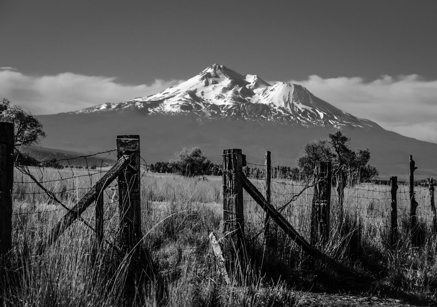 "photo ""Гора Шаста, Калифорния"" tags: black&white, landscape, Mt Shasta гора Шаста."