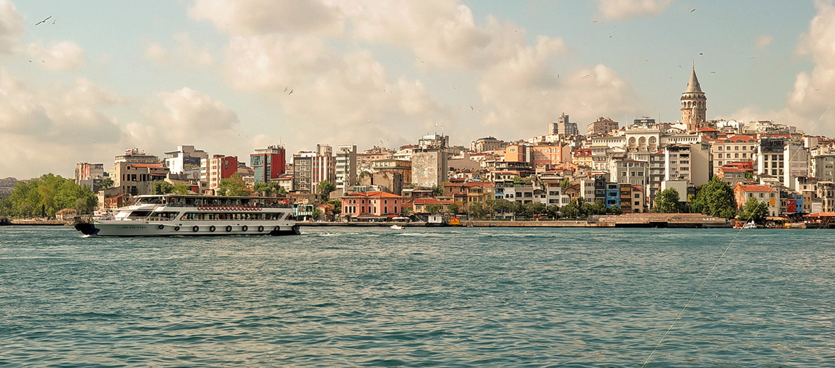 "photo ""Istanbul"" tags: city,"
