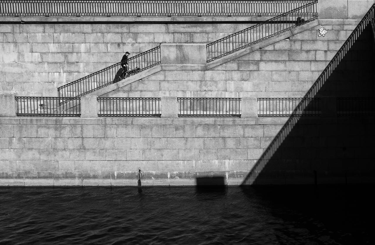 "photo ""***"" tags: street, city, Петербург, свет и тень"