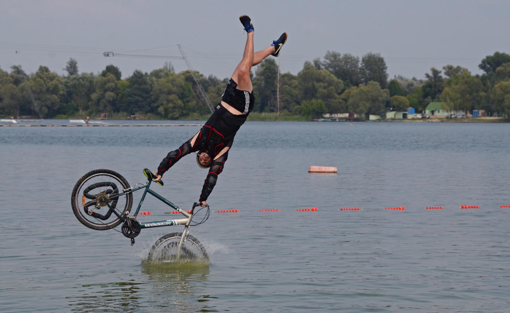 "photo ""***"" tags: sport, summer, water, джампинг, соревнования, экстрим"