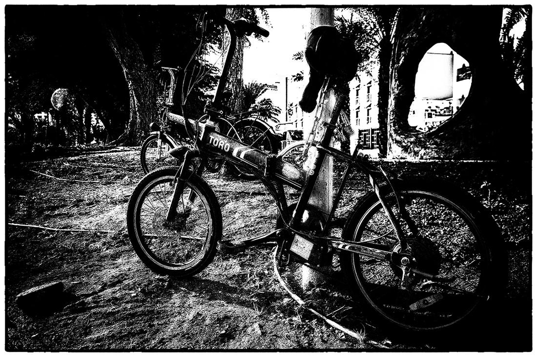 "photo ""T O R O"" tags: travel, technics, black&white,"