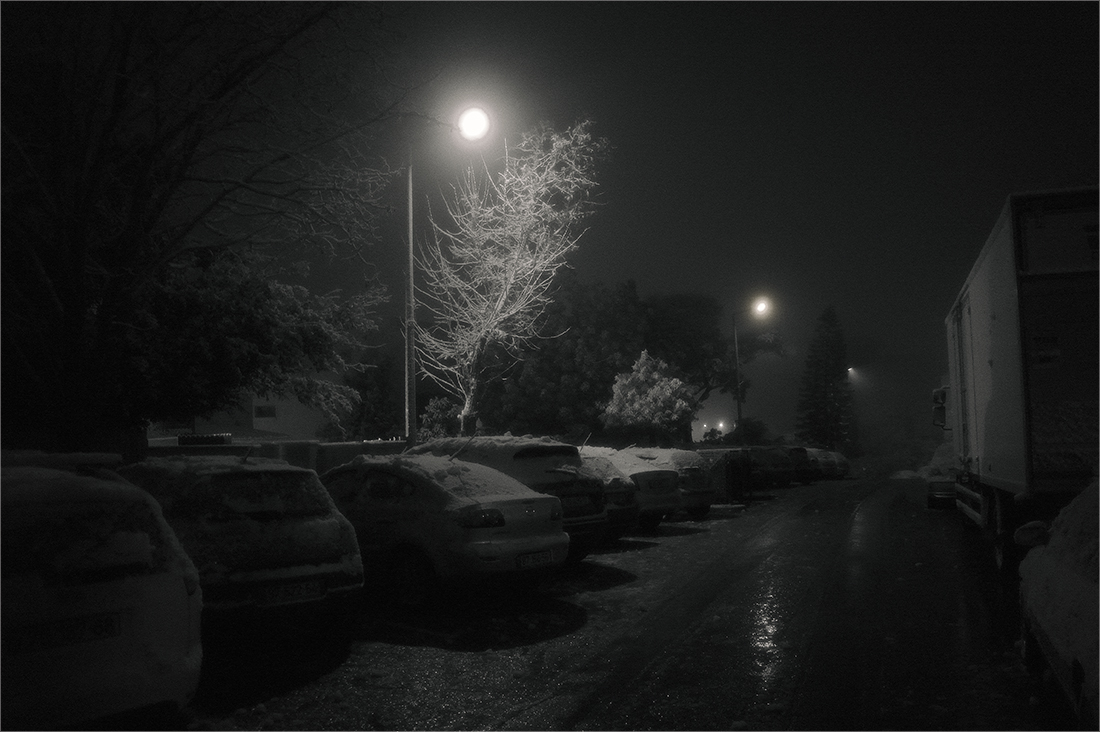 """photo """"First snow..."""" tags: travel, black&white, city,"""