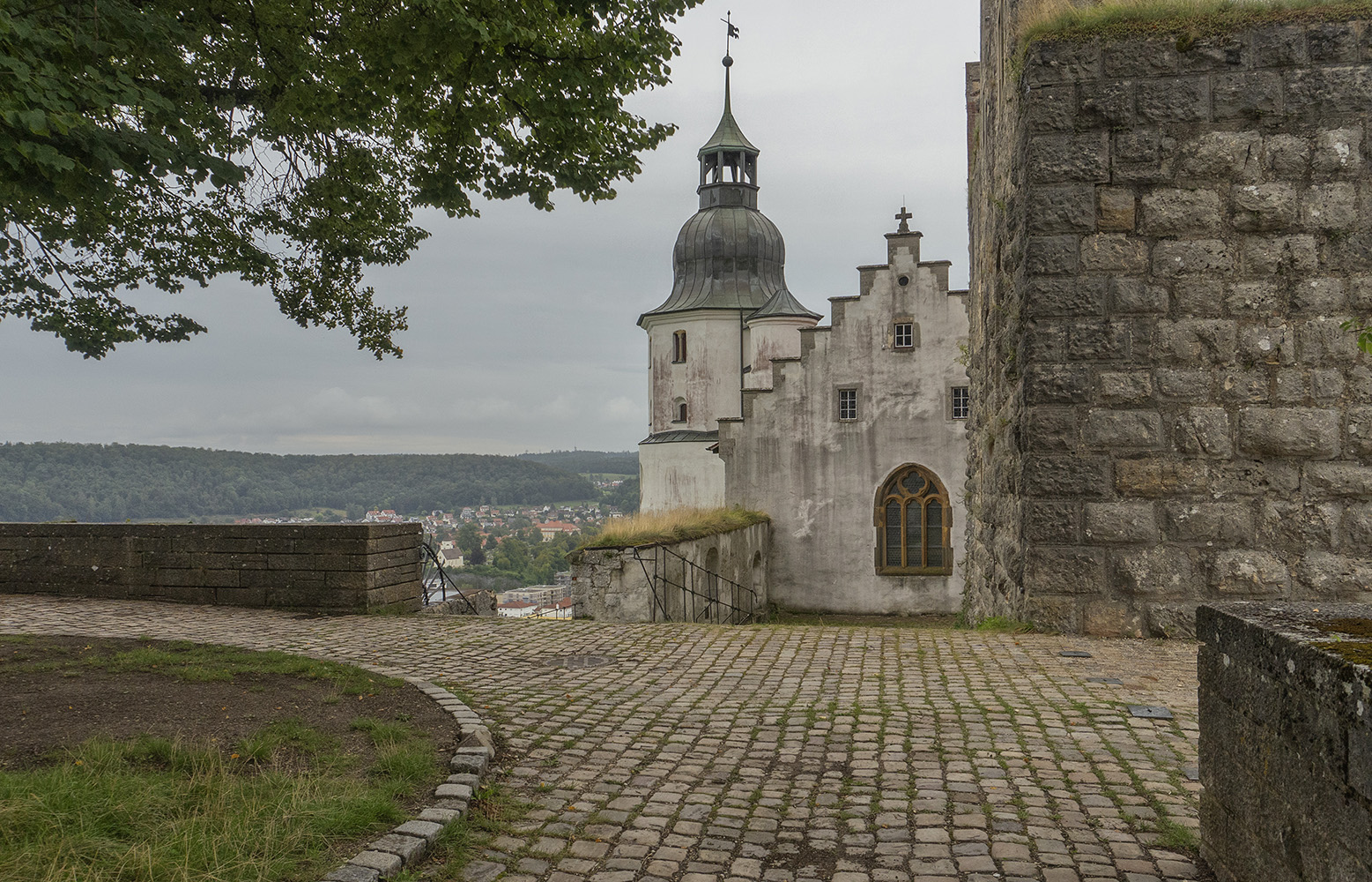 "фото ""Замок Хелленштайн. Северное крыло. Фрагмент."" метки: архитектура, фрагмент, путешествия, германия, замок, старина"
