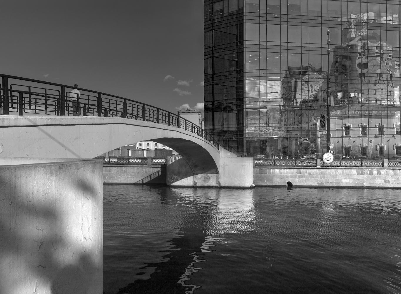 "photo ""***"" tags: street, city, montage,"