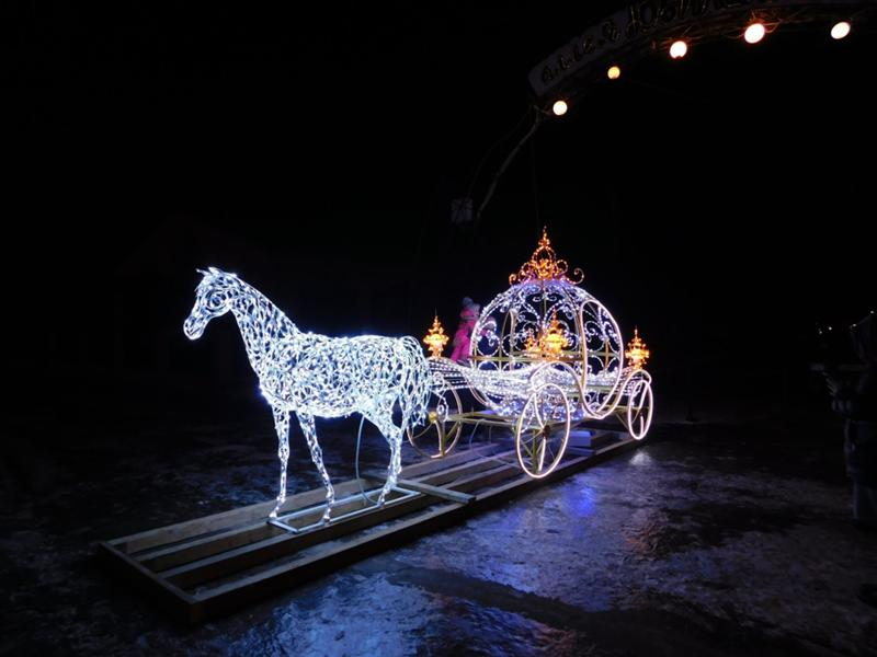 "photo ""light new year's carriage with horses"" tags: architecture, световая новогодняя карета с к"