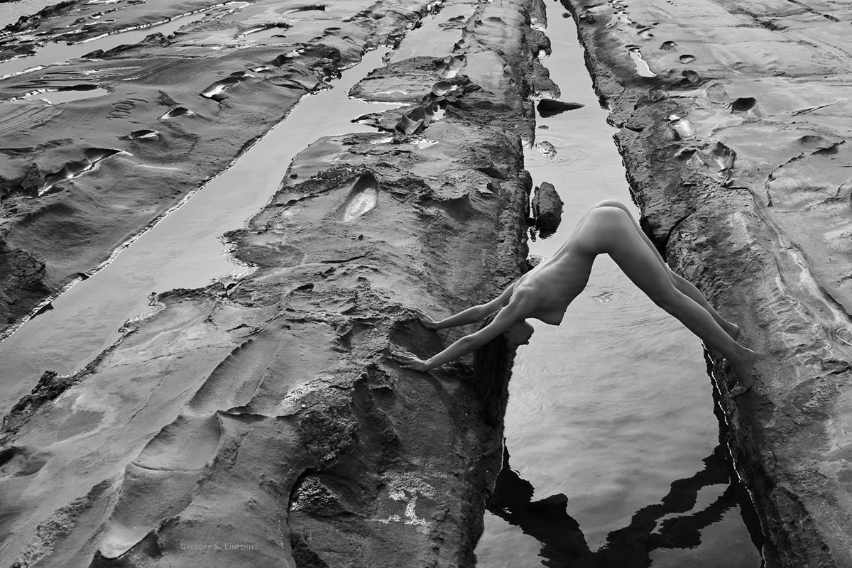 "photo ""...#2998..."" tags: nude, black&white,"