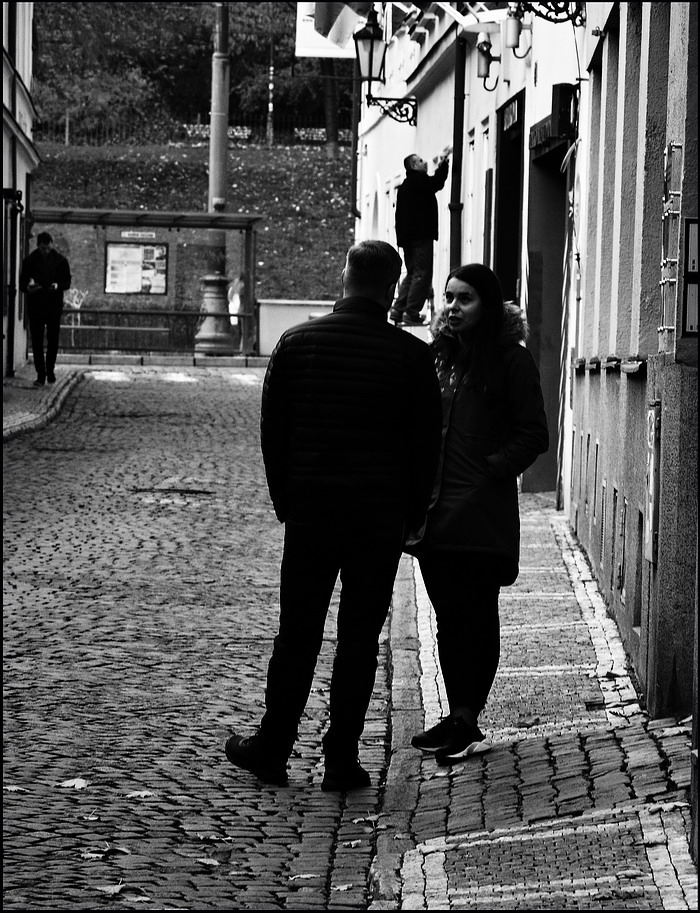 "photo ""Люди и улица"" tags: black&white, Prag, Prague, Praha"