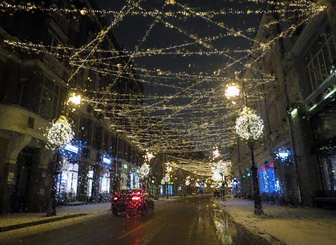 "photo ""Festive weather in Moscow"" tags: city, street, reporting,"