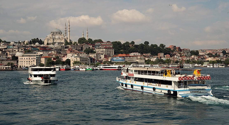 "photo ""Istanbul"" tags: city, street,"