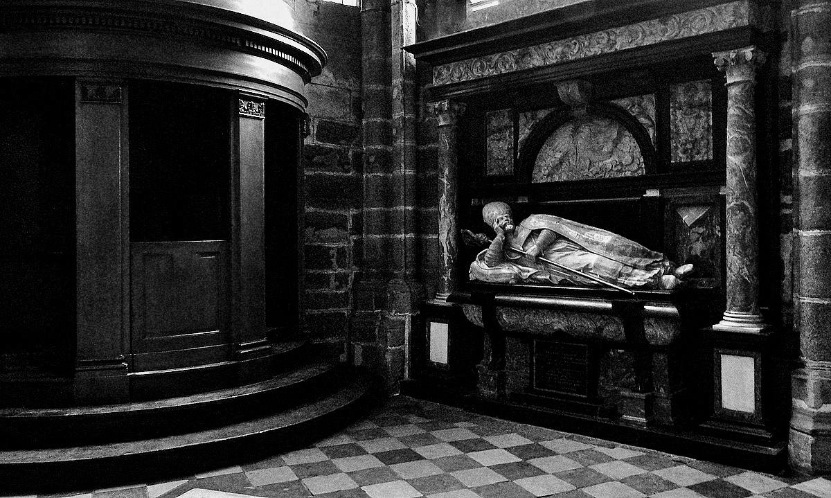 "photo ""Bishop's dream"" tags: black&white,"