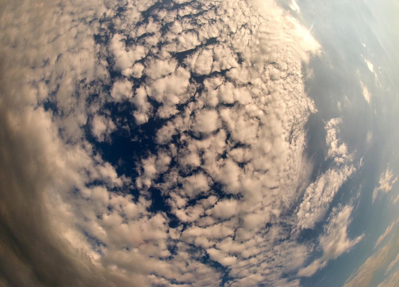 """фото """"Solaris"""" метки: пейзаж, абстракция, 8мм, лето, небо, облака, синева"""