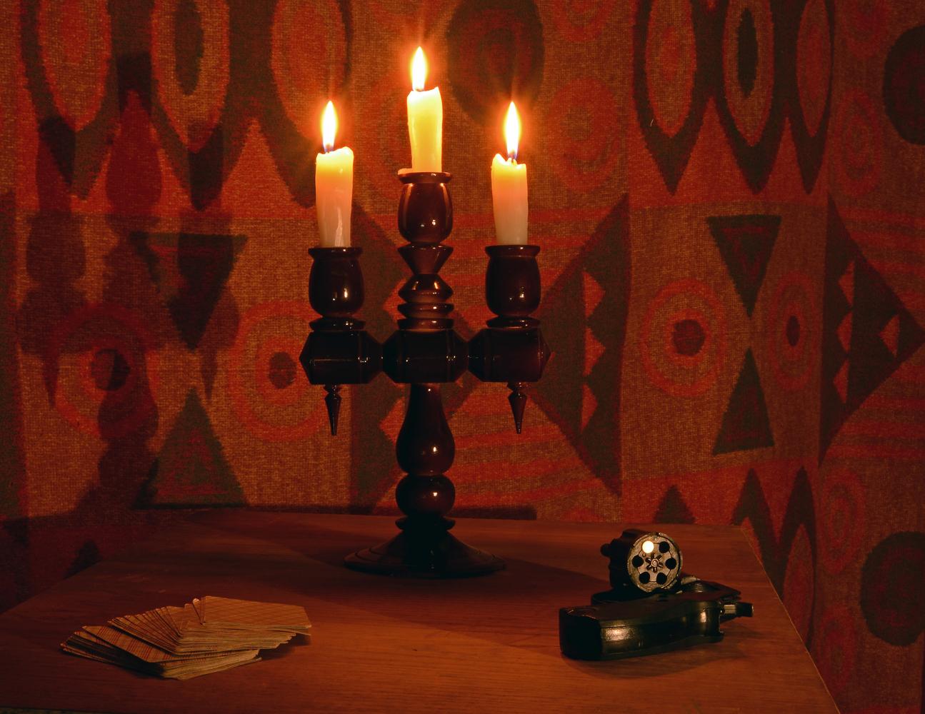 """photo """"***"""" tags: still life, игра, карты, револьвер, рулетка, свечи"""