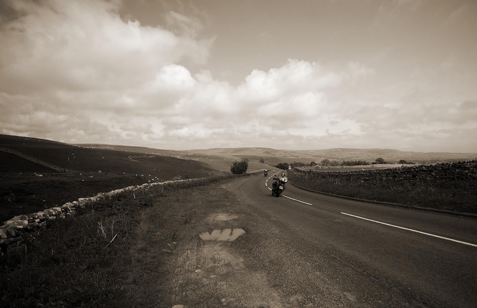 """photo """"***"""" tags: landscape, genre, black&white,"""