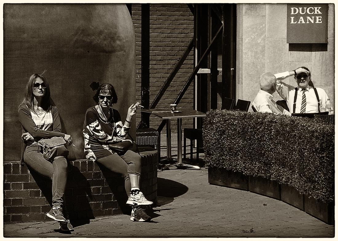 "photo ""Send off a smoke ..."" tags: travel, street, black&white, Дублин, Ирландия"