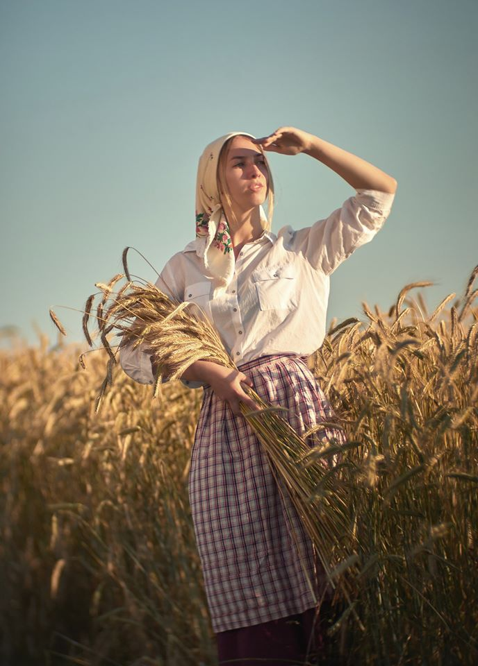 "photo ""***"" tags: portrait, old-time, field, girl, summer, желтое, модель, настроение, портрет девушка ретро-стиль, пшеница, солнечно"