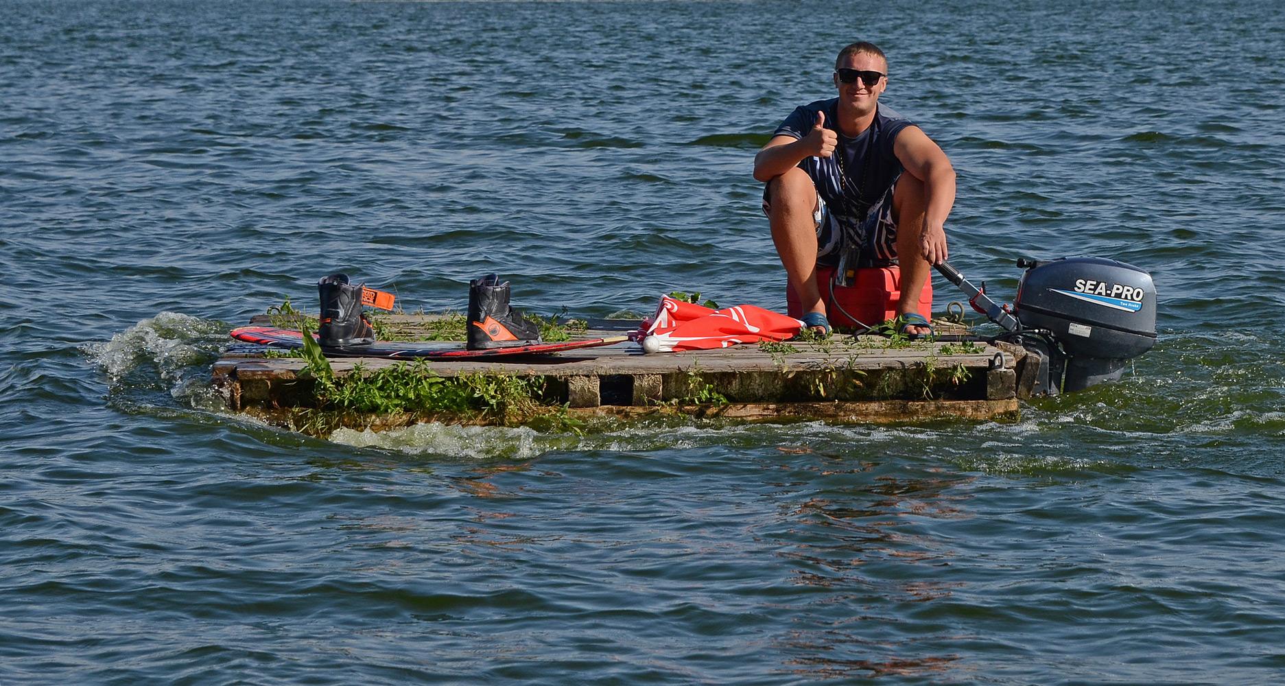 """photo """"***"""" tags: humor, boat, summer, плот"""