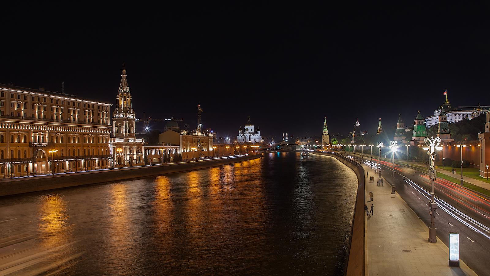 """photo """"***"""" tags: city, architecture, Кремлевская набережная, Москва-река, Софийская набережная"""