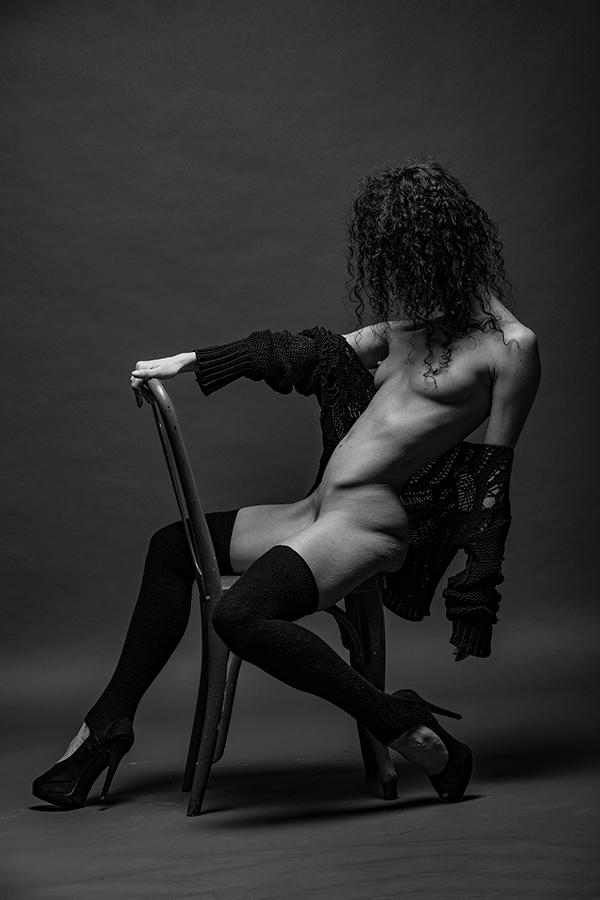 "photo ""* * *"" tags: nude, black&white, Photographer Alexander Tochins"
