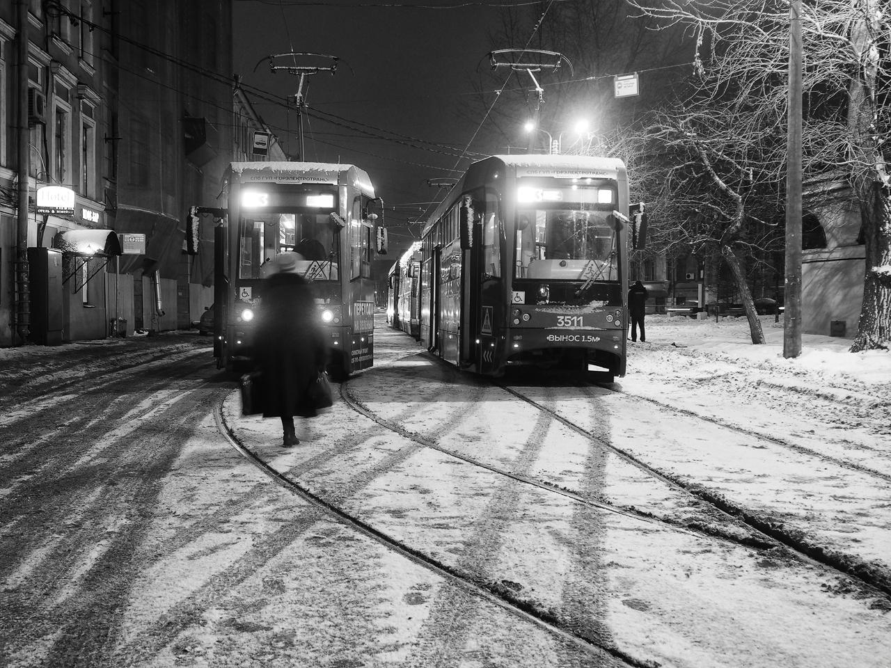 "photo ""***"" tags: street, genre, Петербург"