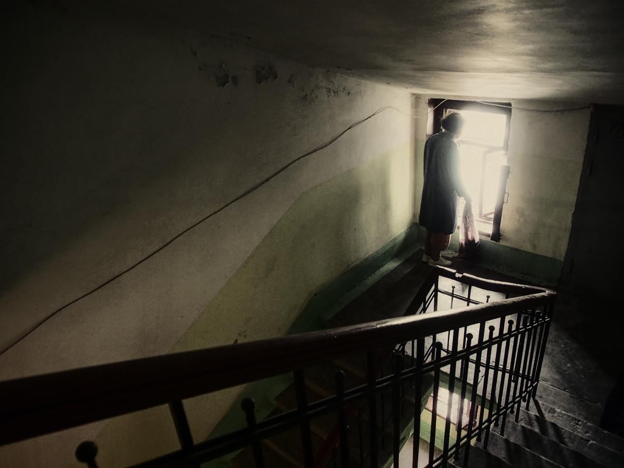 "photo ""***"" tags: genre, staircases, Петербург"