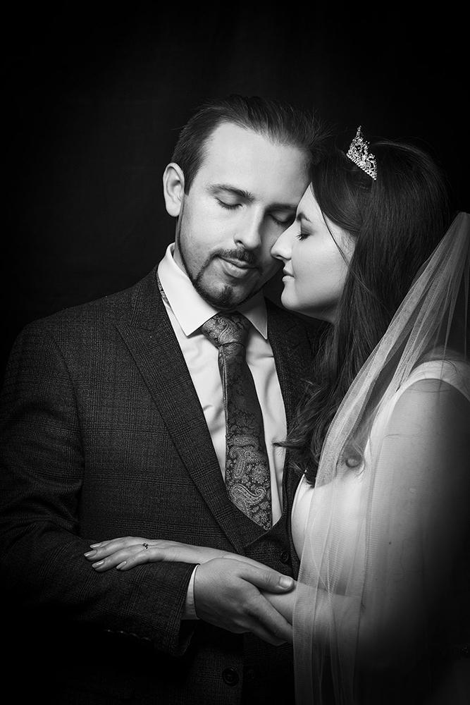 """photo """"***"""" tags: portrait, black&white, old-time, bride, colour, light, woman, красота, свадебное, студийноефото, фотограф"""