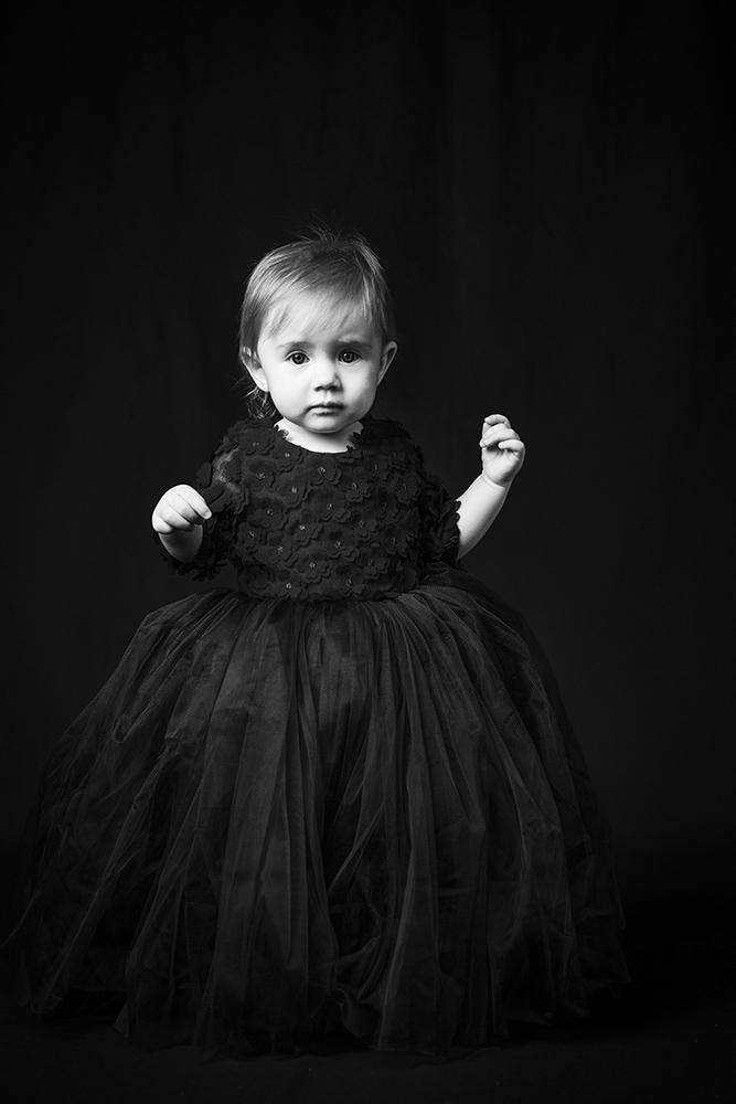 "photo ""***"" tags: portrait, black&white, old-time, child, children, красота, студийноефото, фото, фотограф"