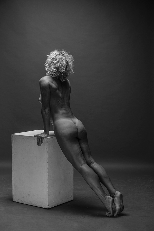 """photo """"* * *"""" tags: nude, Photographer Alexander Tochins"""