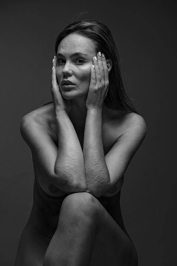 "photo ""* * *"" tags: nude, black&white, portrait, Photographer Alexander Tolchin"