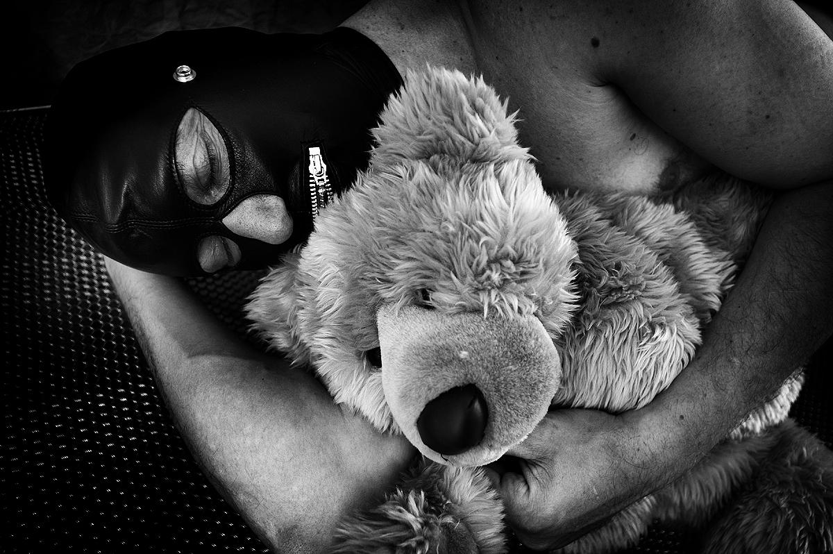 "photo ""Pets"" tags: humor, black&white,"