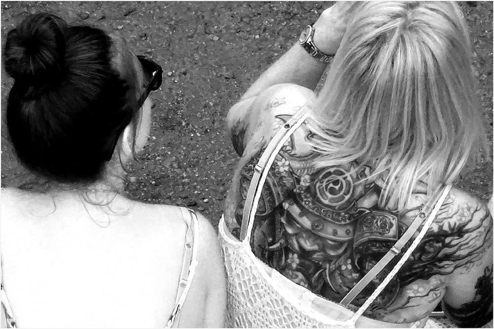 "photo ""black and white"" tags: black&white,"