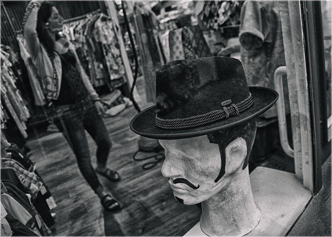 "photo ""Lady and gentleman"" tags: travel, black&white, genre, Ирландия"